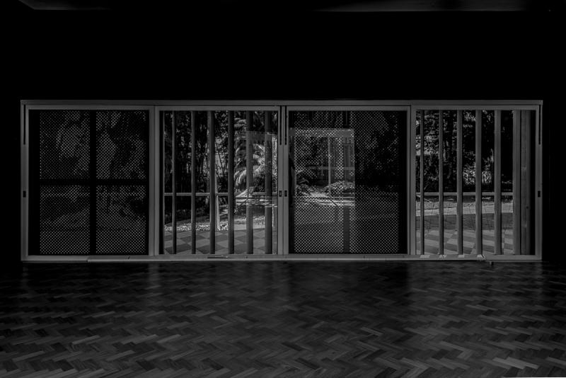 Sede do Instituto Moreira Salles. A casa, onde viveram Walther Moreira Salles e sua família, foi projetada por Olavo Redig de Campos e possui jardins de Roberto Burle Marx.