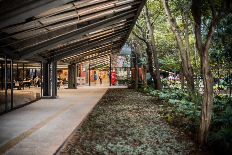 Concebido por um grupo de arquitetos sob coordenação de Eurico Prado Lopes e Luiz Telles, o CCSP é um espaço de de cultura e convívio.