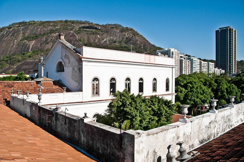 Restauro da Capela de São Pedro de Alcântara, uma edificação do século XIX em estilo neoclássico localizada no interior do Palácio Universitário da UFRJ, Rio de Janeiro.